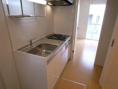 【キッチン】水栓はシングルレバーとなっております。