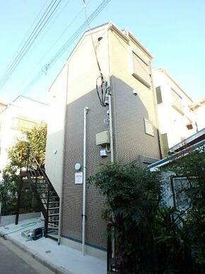 平坦で横浜市営地下鉄、京急本線の2沿線が利用可能です