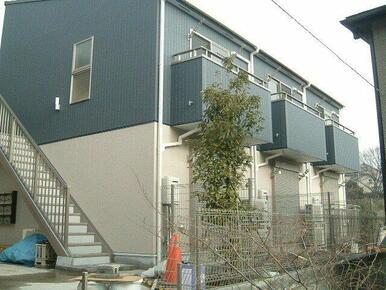 閑静な住宅街に立地したアパート