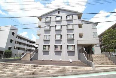 人気の東急田園都市線2駅利用可の4階建て鉄筋コンクリート造りの物件♪
