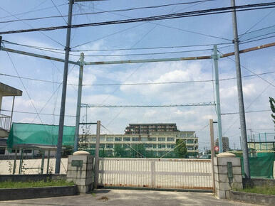 岩倉中学校