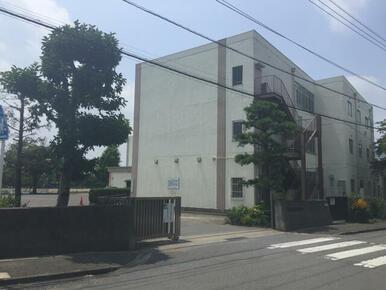 鳩山小学校