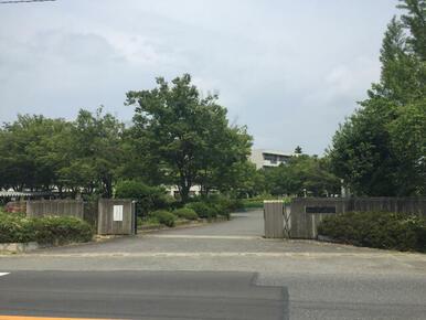 鳩山中学校