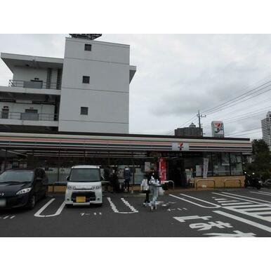 セブンイレブン所沢元町店