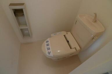 トイレは洗浄便座設置しています☆