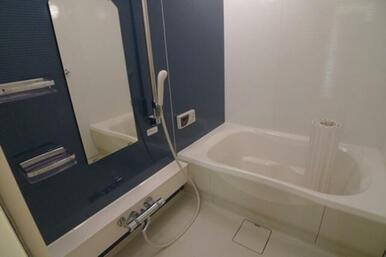 浴室はユニバーサルデザインに基づいた安心・安全設計です★