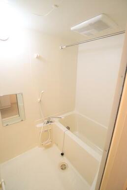 追焚き・乾燥機能付の浴室★