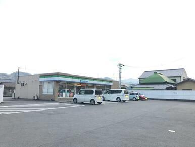 ファミリーマート石井町石井店