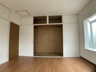 「2階約8帖洋室」大容量クローゼット付き