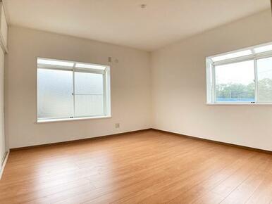 「2階約8帖洋室」