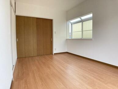 「2階南東側洋室」約6帖