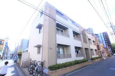 横浜市営地下鉄・京浜急行本線・京浜東北線の3路線利用可能