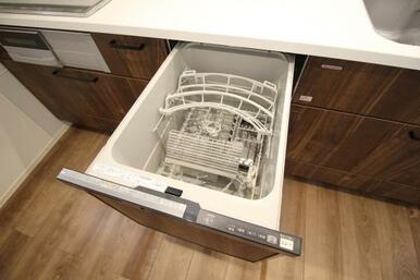 嬉しい食洗器付き!家事の手間も省ける嬉しいアイテム