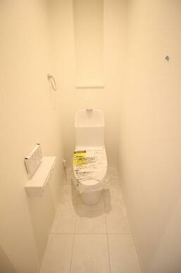 温水洗浄機能付き便座を採用しているため衛生面も安心です