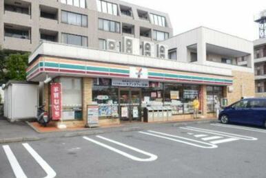 セブンイレブン横浜田奈駅東店
