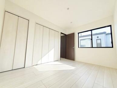 6号棟:洋室  全室収納スペース付きなので住空間もスッキリします。