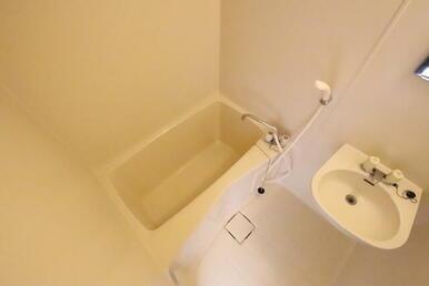 ★バス・トイレ別で使いやすいバスルーム★