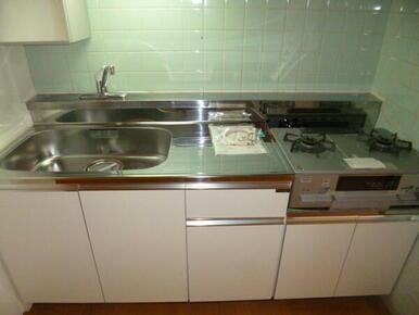 シンク広め使いやすいキッチン