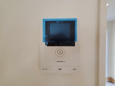 設備 カラーモニター付インターホンでお子様のお留守番も安心。