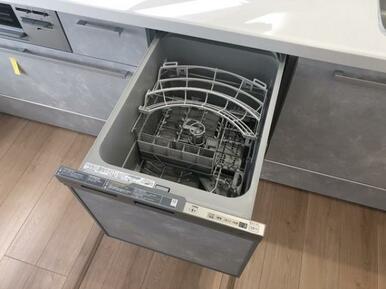 食洗機付きで忙しい家事を手助け♪