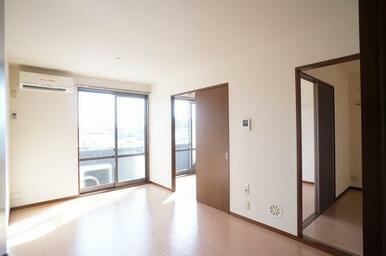 ※室内写真は他の部屋のものです。101号室退室工事完了後の状況と相違がある場合、101号室退室工事完