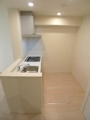 キッチン部分☆スペースに余裕があります♪
