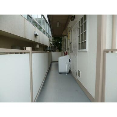 各階2部屋 つきあたりの部屋