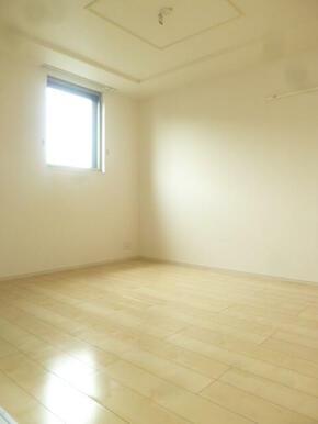 ★寝室にも窓があって明るいです★