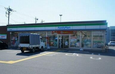 ファミリーマート石原店