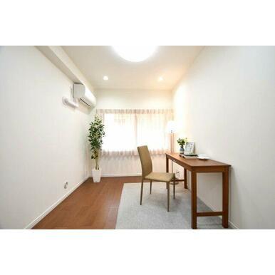部屋数も多いのでご家族が多くても各自のプライベートルームを確保できます。 各部屋に窓が付いているの