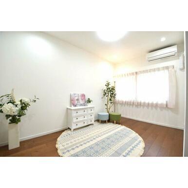 各お部屋収納スペースがあるのも嬉しいポイント! 収納スペースを確保しつつお部屋を広く綺麗にお使い頂け