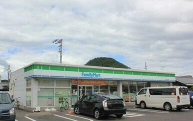 ファミリーマート高松西春日店
