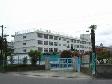 東長町小学校まで徒歩8分(602m)