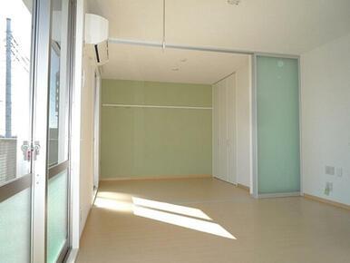 リビングと南側の洋室はスクリーンで仕切る事ができ、用途によって使い分けができます。
