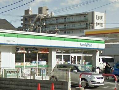 ファミリーマート川口栄町二丁目店