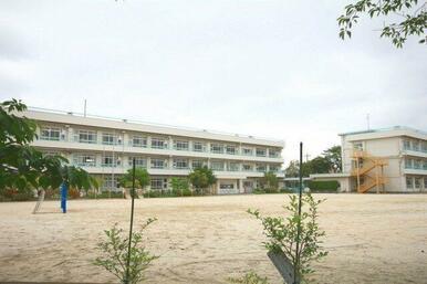 戸ヶ崎小学校