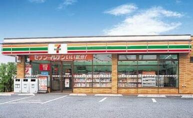 セブンイレブン 仙台榴ヶ岡5丁目店まで徒歩2分(99m)