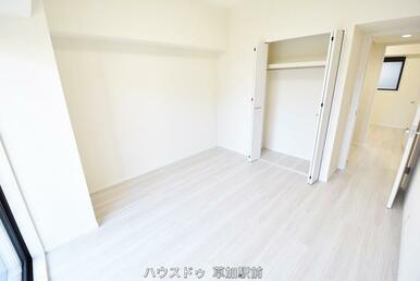 6.9帖の洋室は収納付き!お部屋もすっきり片付きそうですね(^^♪