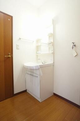 シャンプードレッサータイプの洗面台です。
