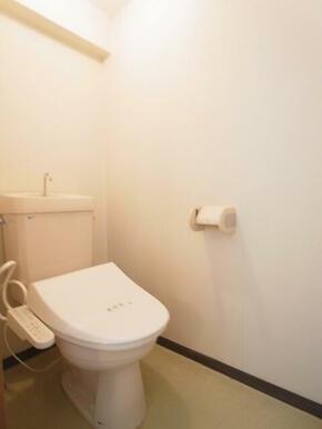 バストイレ別になります。