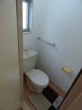 独立トイレになっております☆