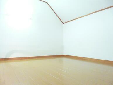 寝室や収納スペースに使える3帖・ロフト