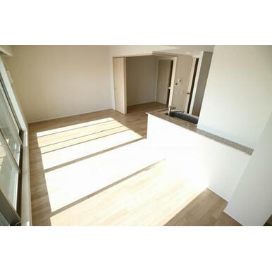 約4.5帖の和室を使いやすい洋室に変更済み