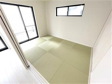 【洋和室】家事スペースや来客スペースとしても使用できます♪
