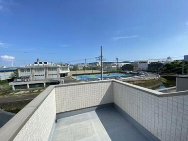 ロフト側バルコニーからの眺望