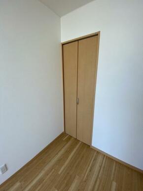 2階約6帖洋室 クローゼット