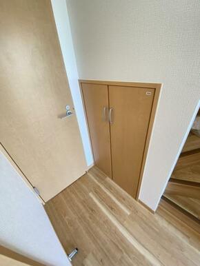 階段下収納がございます