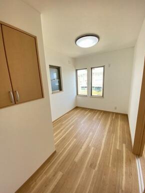 2階約5.3帖洋室