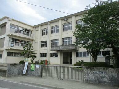 徳島市立国府小学校