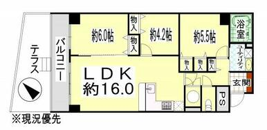 LDK16帖、L型対面キッチンで開放感のある間取り